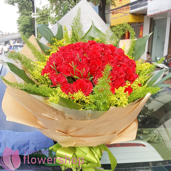 Red roses bouquet to Vietnam