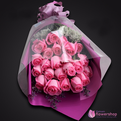 Bouquet pink roses with love flower