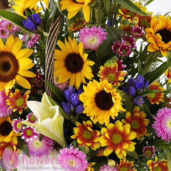 Sunflower basket to birthday in Vietnam