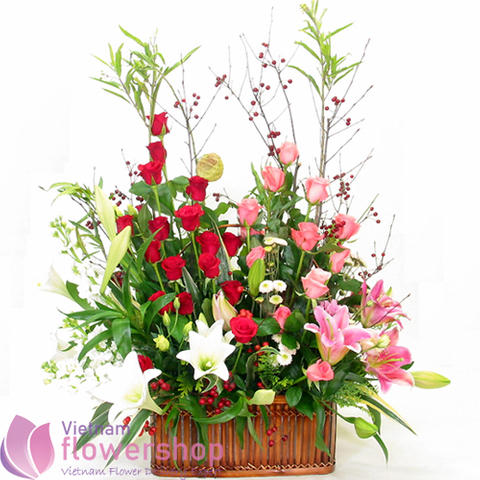 Send flowers basket to Vietnam online
