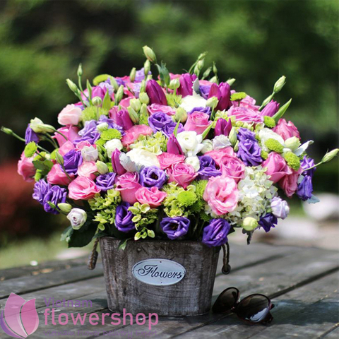 Beautiful vip basket flowers