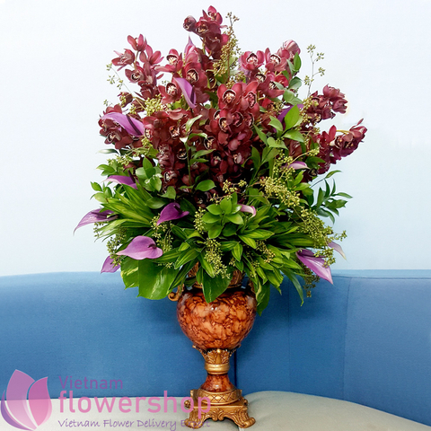 Hanoi premium flowers arrangement in vase