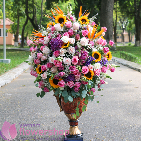 Saigon luxurious flowers for delivery