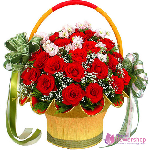 Red rose free delivery in HoangMai District Hanoi