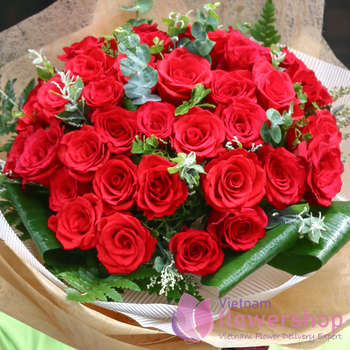 Buy red roses bouquet in flower online