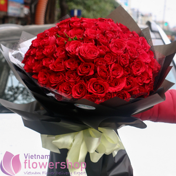 99 red roses bouquet delivery to Vietnam