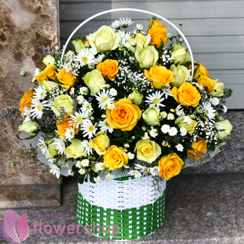 Send yellow roses basket to Vietnam free delivery