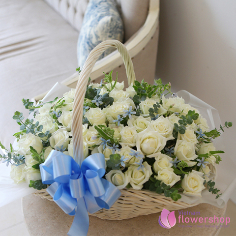 Vietnam Flower Delivery 99 white roses