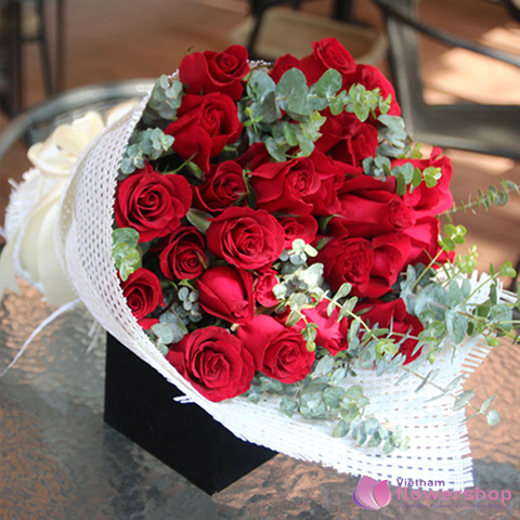 Bouquet of red roses for happiness day