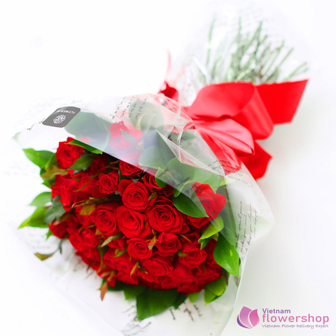 Red roses bouquet for birthday to girlfriend