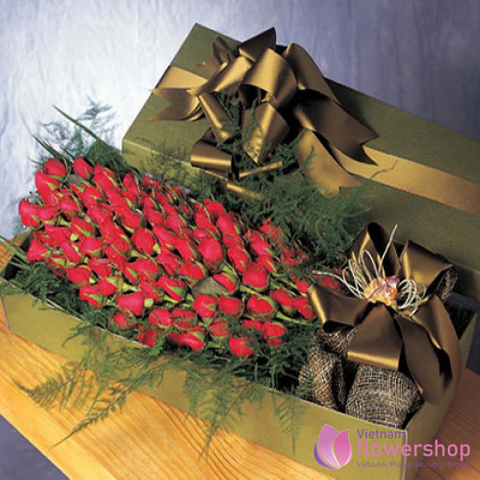Vietnam Boxed arrangement 99 red roses