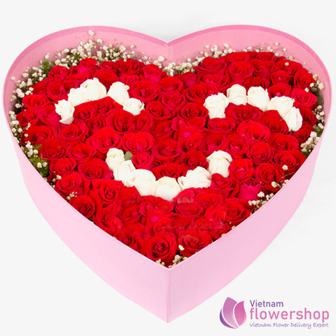 Smile flower arrangement red and white roses
