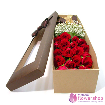 Vietnam Red rose and babie flower in box