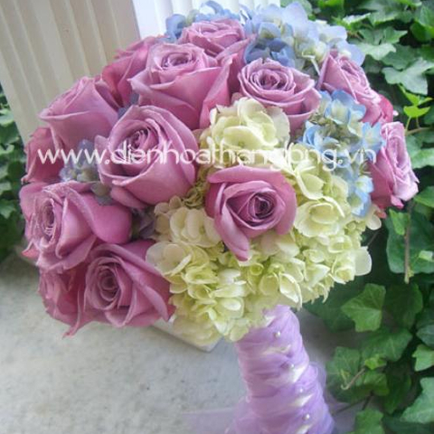 Purple flowers wedding bouquet