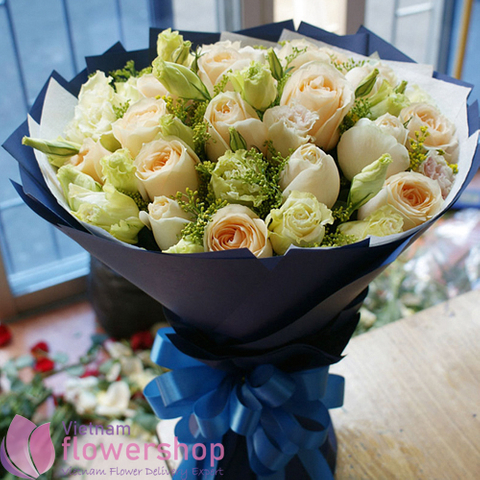 Birthday roses bouquet at Vietnam Florist