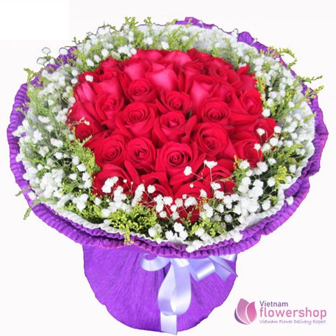 Bouquet of red roses and baby's breath free delivery
