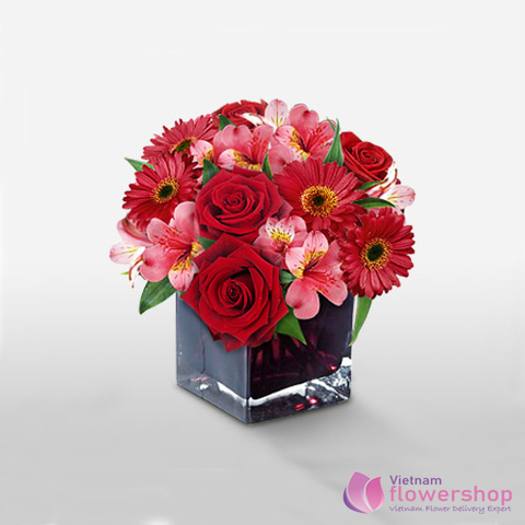 Vietnam flowers in vase delivery sameday