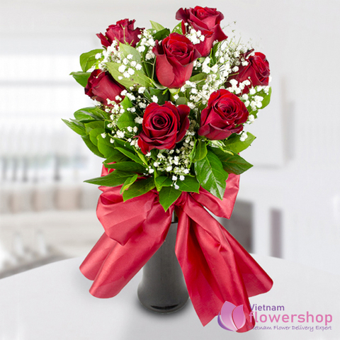 Send flowers in vase to girlfriend in Vietnam