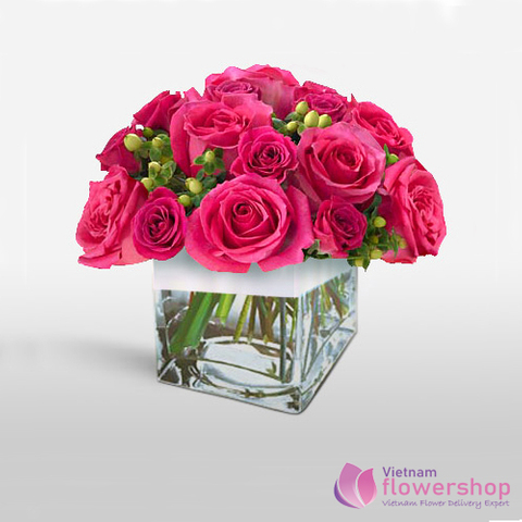 Pink roses in vase beautiful same day delivery