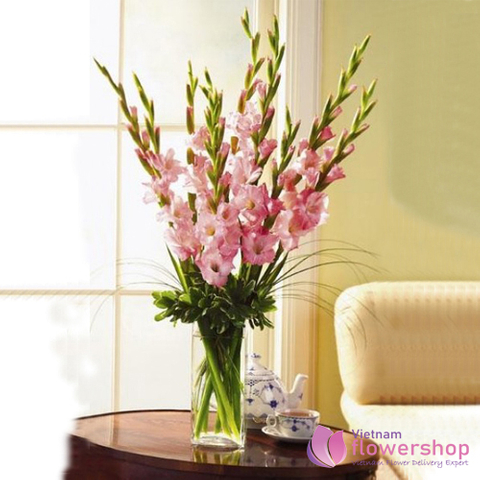 Flowers in vase to Vietnam happines day