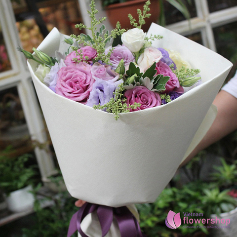 Romantic mixed flowers for girls friend