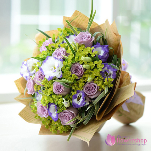Lovely purple roses bouquet with love