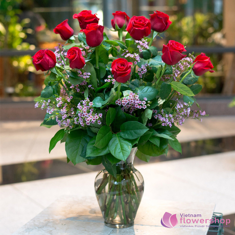 Vietnam Christmas red roses arrangement in vase