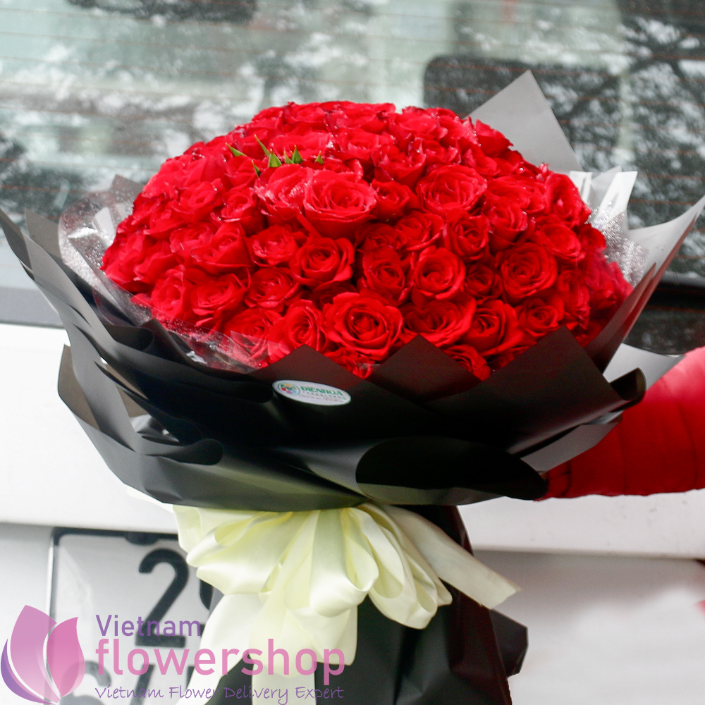 99 red roses bouquet free delivery to Vietnam