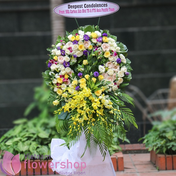 Funeral flower guide: types and tips for choosing the right flower arrangement