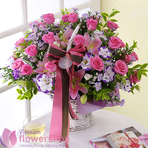 Pink flowers basket for birthday
