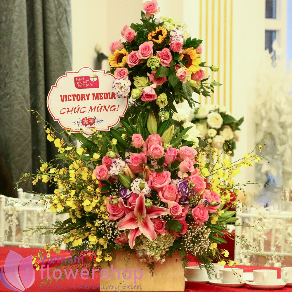 Two storey fresh flower basket
