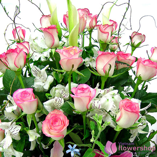 Beautiful pink flower arrangement delivery
